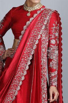 Sari Blouse Designs, Fancy Blouse Designs, Lehenga Designs, Kurti Designs Party Wear, Latest Bridal Dresses, Indian Bridal Outfits, Indian Bridal Fashion, Bridal Lehenga Collection, Lehnga Dress