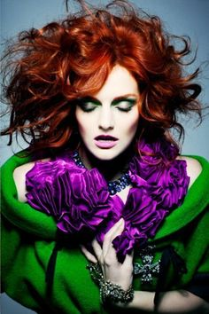 Lydia Hearst with red curly mane Lydia Hearst (Schwarzkopf)