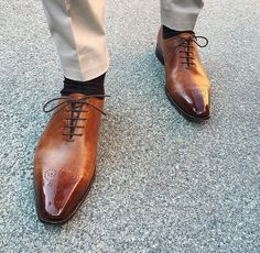 Two Tone Tan Brown Cont Burnished Brogue Toe Magnificent Leather Lace up Shoes - Dress/Formal Lace Up Shoes, Me Too Shoes, Dress Shoes, Dress Clothes, Handmade Leather Shoes, Leather And Lace, Real Leather, Leather Men, Gentleman Shoes