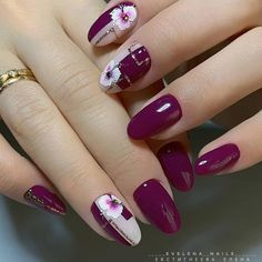 What Christmas manicure to choose for a festive mood - My Nails Stylish Nails, Trendy Nails, Cute Nails, My Nails, Round Nails, Christmas Nail Art Designs, Christmas Nails, Best Acrylic Nails, Nagel Gel