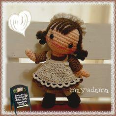 muñeca camarera amigurumi