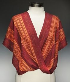 Twisted Shawls are mostly woven with a cotton warp and ray Weaving Designs, Weaving Projects, Weaving Patterns, Inkle Weaving, Weaving Yarn, Hand Weaving, Textiles, Dressmaking, Clothing Patterns