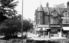 Photo of Purley, The Fountain from Francis Frith Croydon Airport, London People, Old London, Places Of Interest, Surrey, Ancestry, Old Photos, Fountain, Nostalgia