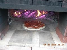Build a dry stack wood-fired pizza oven comfortably in one day! – DIY projects for everyone! Home Pizza Oven, Pizza Oven Outdoor, Wood Fired Oven, Wood Fired Pizza, Oven Diy, Outdoor Kitchen Patio, Grill Table, Four A Pizza, Fire Pizza