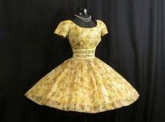 1950 s Gigi Young Lemon Yellow Floral Chiffon Organza Bows Party Prom Wedding Dress Vintage 1950 s Gigi Young Lemon Yellow Floral Chiffon Organza Bows Party Prom Wedding Dress Clothes For Women In 30's, Casual Dresses For Women, Trendy Outfits, Work Outfits, Fashion Office, Dresser, Plus Size Kleidung, Classic Style Women, Prom Party Dresses