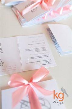 zaproszenie na ślub z gipsówką, morelowo-szare
