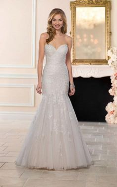 Stella York #6470. Available at It's Your Day Bridal Boutique. 1661 Front Road, LaSalle, Ontario 519-978-5003