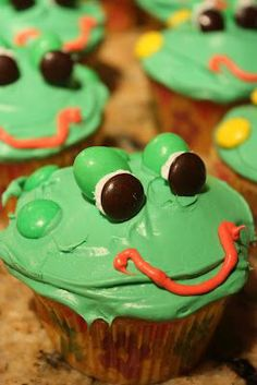 Too Cute Cupcakes | too cute! Leap Frog cupcakes!
