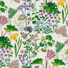 Papier peint Rabarber, collection Scandinavian Designers II, chez Boråstapeter / Référence : 1792 . Des motifs végétaux composés de multiples couleurs sublimés par un fond blanc, voici de quoi est composé le papier peint intissé Rabarber de Boråstapeter.