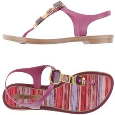 Grendha Thong Sandal (€21) ❤ liked on Polyvore featuring shoes, sandals, light purple, flat sandals, round toe shoes, rubber sandals, toe thong sandals and rubber shoes