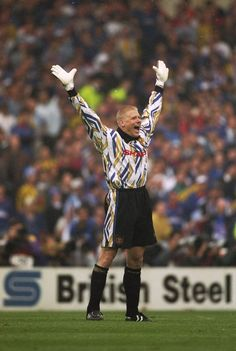 37 Brilliantly Crap Football Kits That Could Only Have Happened In The Manchester United Goalkeeper Kit, Manchester United Football, I Love Manchester, Manchester United Images, Peter Schmeichel, Vikings, Football Kits, Retro Football, Football Soccer