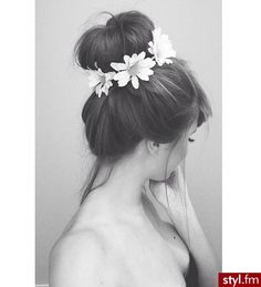 Love the flower around bun! And I love that the bun isn't perfect - it's a bit messy!:)