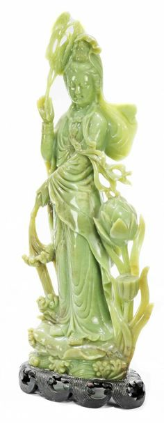 Large carved jade figure of a Chinese beauty