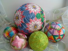 Temari Patterns, Berlin, Ancient Japanese Art, Textiles Techniques, Thread Art, Embroidery Kits, Art Forms, Easter Eggs, Easy Crafts