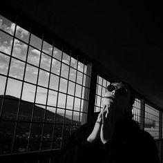 Premiera INSOMNII 15 września. Preorder zawiera plakat, vlepy oraz podpis. Dzięki wszystkim, którzy już zaklepali sobie swój egzemplarz! PS. Na dniach nowa rozpiska koncertów :) Fot.@filis___ #planbe #insomnia #quequality #samspontan Singers, Rap, Hip Hop, Polish, Instagram Posts, People, Poster, Vitreous Enamel, Wraps