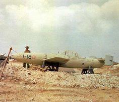 空技廠・特別攻撃機「桜花」一一型(日) 敵艦船に体当たり攻撃を行うロケット機で、組織的に製造・運用され、実戦に投入され…