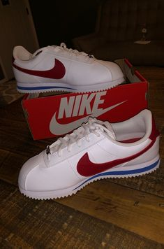 Brand new fresh nike Cortez Nike Cortez Shoes, Nike Air Shoes, Sneakers Nike, Huaraches Shoes, Hip Hop Classics, White Nike Shoes, Nike Classic Cortez, Fresh Shoes, Hype Shoes