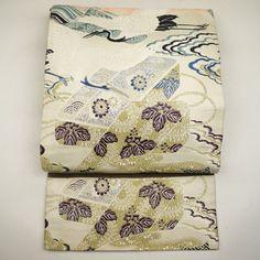 Beige, silk maru obi / 吉祥柄をたっぷり施したアンティークの丸帯