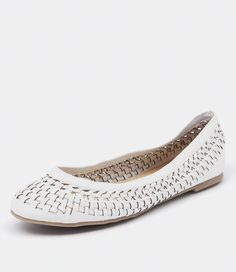 Light Shoes for Summer Working Lit Shoes, Summer Work, Summer Shoes, Brand You, Wedges, Flats, My Love, Heels, How To Wear