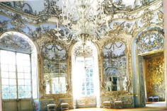 I wish we still lived in a time of such opulence...but only if I was wealthy. Which im not. Damn.