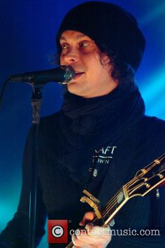 him live 2014 | ... live_music_photos_011113_01/ville-valo-him-performing-live_3932143.jpg