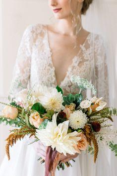 Boston & New England Wedding Photographer Elegant Wedding Colors, Classic Wedding Dress, Fall Wedding Colors, Timeless Wedding, Wedding Dress Styles, Wedding Color Schemes, Bridal Bouquet Fall, Fall Wedding Bouquets, Free Wedding