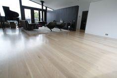 Oak flooring http://www.profiletimber.com.au/media/pics/site/imagecache/F/F/FF4330147D99E91495A739A3CD265747.jpg