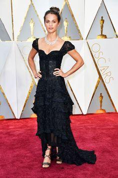 Oscars 2017 | Alicia Vikander arrived wearing a Louis Vuitton dress
