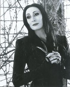 the Morticia Addams dress adventure – read all about it