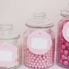 Pretty pink jars of sweets with gorgeous labels Pink Dessert Tables, Dessert Buffet, Candy Buffet, Jars Of Sweets, Pink Sweets, Lolly Jars, Summer Party Themes, Candy Bar Party, Pink Foods