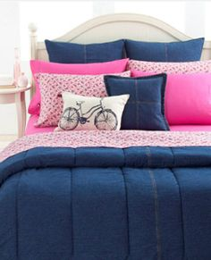 Divine denim for the dorm. Go back to school in this cool blue, denim comforter. Made of the softest cotton cover with straight, vertical quilt stitching, this comforter will delight any bedroom. Reverses to sold navy cotton. Dorm Bedding Sets, College Bedding, College Dorm Rooms, College Life, Blue And Pink Bedroom, Pink Bedrooms, Pink Room, Hilfiger Denim, Tommy Hilfiger