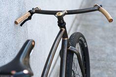 handlebars = wood