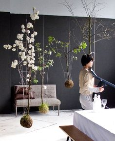 String gardens - Amsterdam horticulturist Fedor has created string gardens by designing root balls made of string, moss, dirt, grass and seeds in the Japanese botanical style fashion, kokedama.