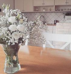 Vintage white kitchen / Vidéki stílusú konyha