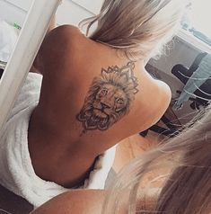 Lion by Rebeccas Tattoo Studio Sweden - Tattoos - Tattoo Leo Lion Tattoos, Lion Back Tattoo, Back Tattoo Women, Rose Tattoos, Body Art Tattoos, Tattoo Quotes For Women, Girl Tattoos, Tattoos For Women, Tattoo Designs