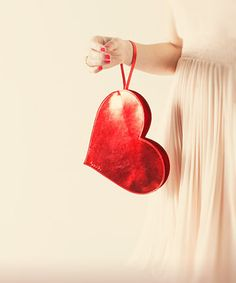 ban.do metallic heart clutch