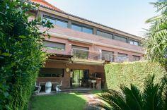 Sitges es una localidad de la Costa de Barcelona con mucho encanto. Si buscas #propiedadesenventaenSitges, en este artículo vamos a darte varias ideas.