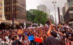 Governo de São Paulo anuncia o fechamento de 94 escolas Dessas unidades, 66 ficarão à disposição dos municípios para Educação de Jovens e Adultos, CEU ou creche; medida, que atingirá 340 mil alunos, causou uma série de protestos nos últimos dias