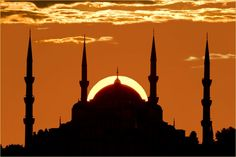Silhouette of blue mosque, Istanbul, Turkey