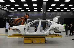 #срочно #Авто | Mercedes-Benz E-класса сворачивает на бездорожье | http://puggep.com/2015/10/19/mercedes-benz-e-klass/