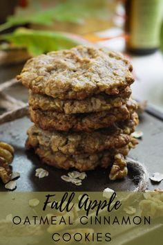 Apple Cookies, Cinnamon Cookies, Oatmeal Cookies, Apple Cinnamon Oatmeal, Cinnamon Apples, Holiday Cookie Recipes, Holiday Cookies, Dried Apples, Dessert Recipes