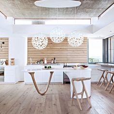 cuisine minimaliste maison au bord de la mer