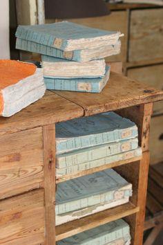 sisustuskaupasta www.taikakattila.blogspot.com