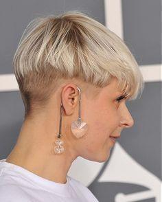 A short blonde straight coloured mushroom womens pixie-cut Geldof Celebrity hairstyle by Celebrity Hairstyles