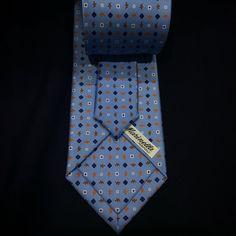 """#emarinella #handmade #handprinted #3fold #silk #tie #timeless #classic #elegance #bespoke #sartorial #artoftailoring #tailormade #exclusive #luxury…"""