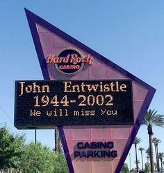 The_Who_John_Entwistle_hard_rock_hotel_Las_Vegas  ES SU CUMPLE HOY !