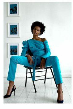 brand Hellesey Fashionista Street Style, Black Museum, Capri Pants, Vogue, Art Ideas, Capri Trousers, En Vogue