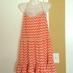 Gianni Bini Summer Dress Orange/Dark Peach Horizontal Zigzag Pattern Dress. Gianni Bini Dresses Mini