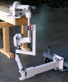 Impressive Build Your Own Garage Workbench Ideas. Irresistible Build Your Own Garage Workbench Ideas. Homemade Tools, Diy Tools, Learn Woodworking, Woodworking Projects, Timber Framing Tools, Wood Worker, Work Tools, Tools And Equipment, Joinery