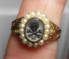 RARE ANTIQUE GOLD SEED PEARL MOURNING RING SKULL & CROSS BONES WAGSTAFF 1851